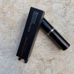 Mink Anastasia Stick Foundation Contour